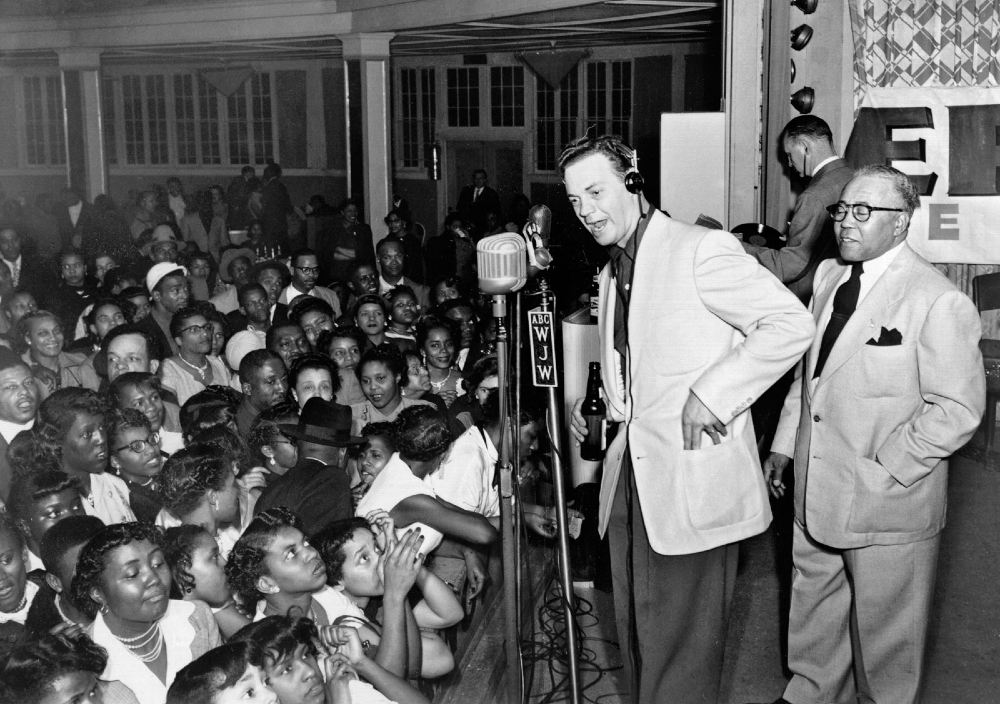 Alan Freed. Rock and roll radio. Una historia de ritmos, guitarras y ondas hertzianas. Parte 1. Por Paco Burgos.