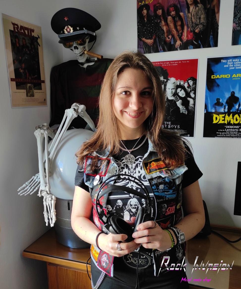 Inés Fígares conductora del programa Rock Invasion. Rock and roll radio.