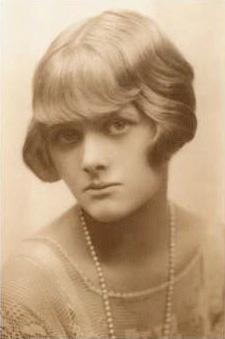 Joven Daphne du Maurier (alrededor de 1930) Propiedad de The Chichester Partnership, University of Exeter