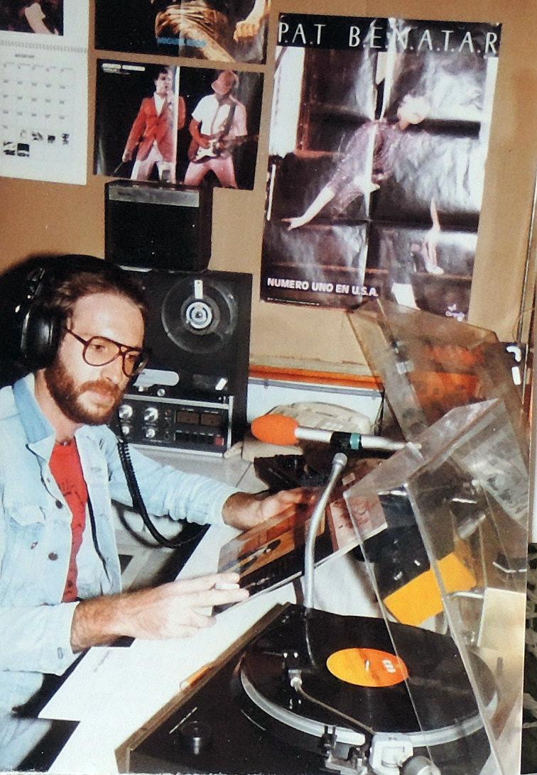 Juan Jesús García en Sobre Ondas Radio Popular. Rock and roll radio.