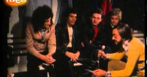 Carlos Tena entrevistando a Queen