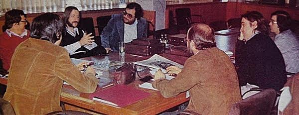 Esta es la unica foto que hay de las reuniones para preparar Pop grama