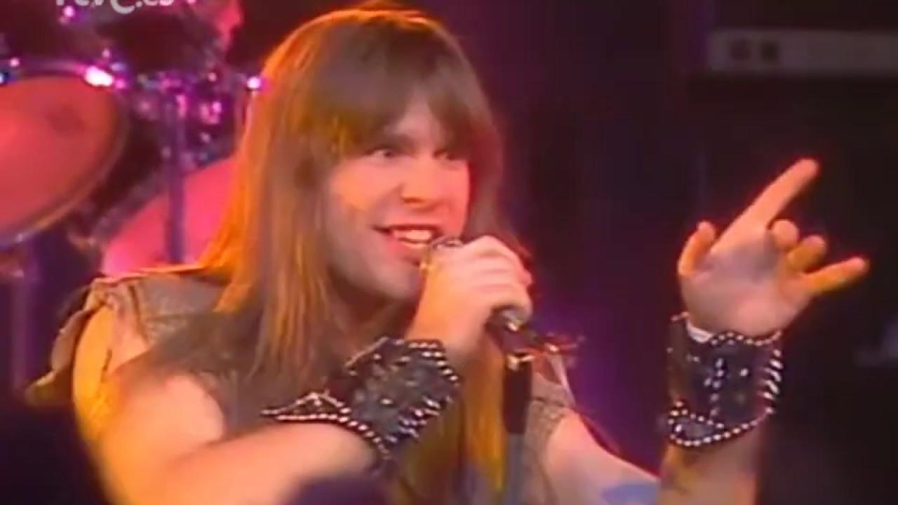 """Bruce Dickinson de Iron Maiden en su actuación en """"Tocata"""". Música y televisión en España. Por Paco Burgos."""