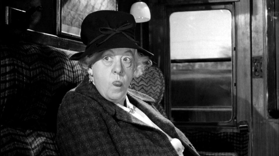 Margaret Rutherford como Miss Marple.  Mujeres en la novela negra: rompiendo estereotipos. Por Lía Guerrero.